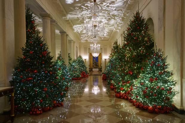 Whitehouse Christmas.Melania Trump Reveals White House Christmas Decor For 2018